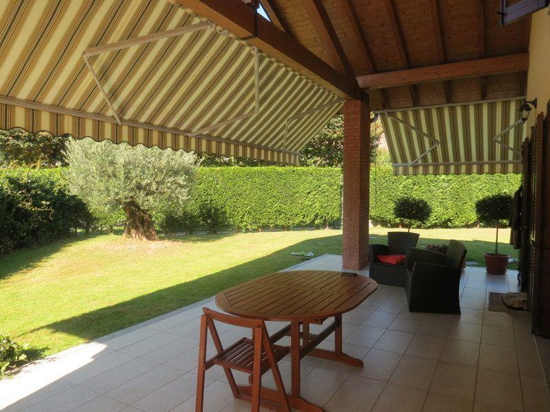 San bernardino verbano casa 4 camere con giardino e garage for Piccoli piani di casa con garage rv