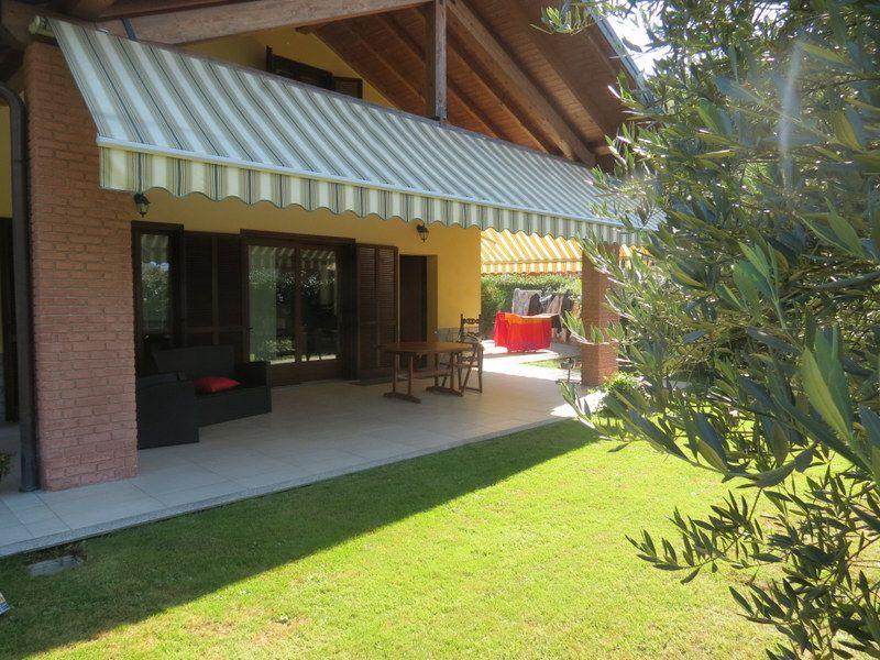 San bernardino verbano casa 4 camere con giardino e garage for Case moderne e contemporanee