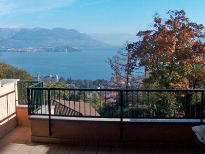 Wohnung zu kaufen in Stresa mit Seeblick