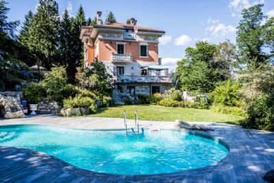 Mansion With Swimming Pool houses with swimming pool for sale lake maggiore