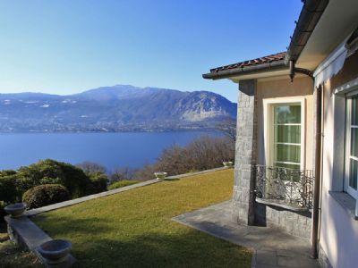vista lago- Villa a Verbania Suna