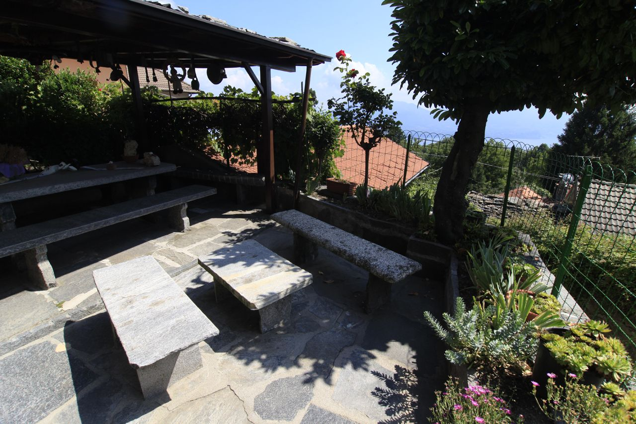 Trarego Viggiona casa indipendente vista lago 5 camere con giardino ...