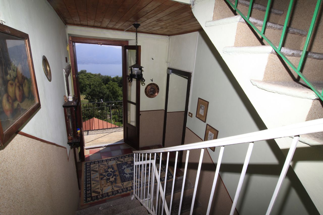 Einfamilienhaus In Trarego Viggiona Mit Seeblick Garten Und Terrasse