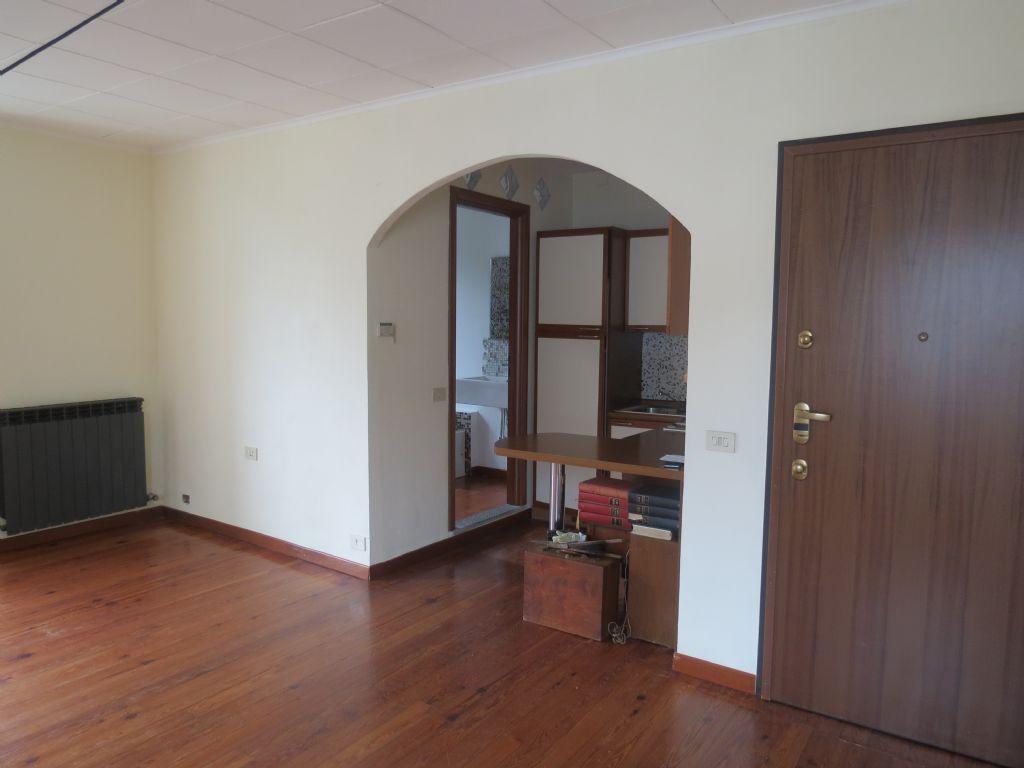 Verbania trobaso appartamento con garage e giardino aa2508 for Log garage con appartamento