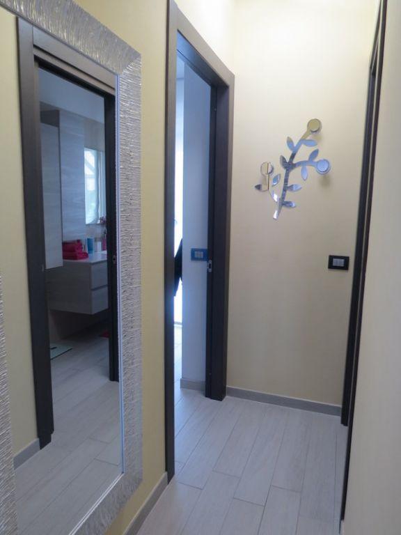 Verbania trobaso appartamento con garage e balcone aa2459 for Garage 30x40 con appartamento