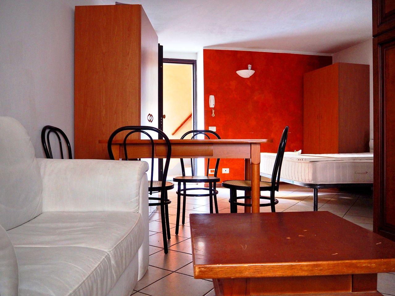 Verbania intra appartamento aa2794 case e giardini stresa for Case e giardini