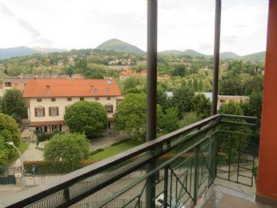 balcone appartamento Intra