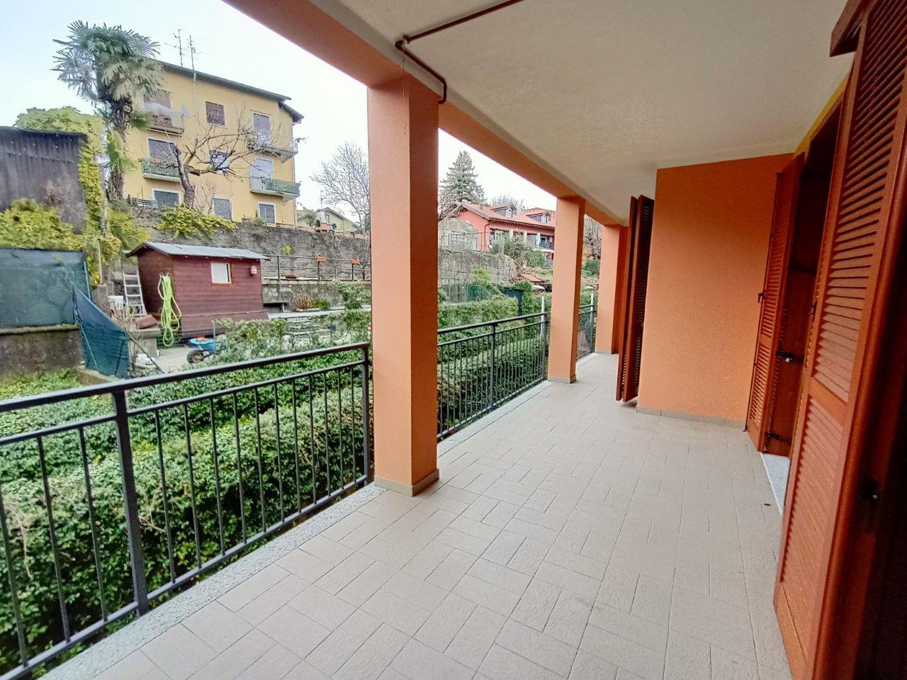terrazzo coperto Intra