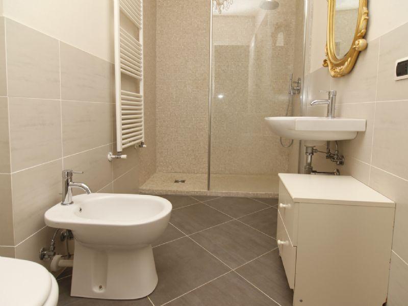 Apartment in center of Pallanza - bathroom