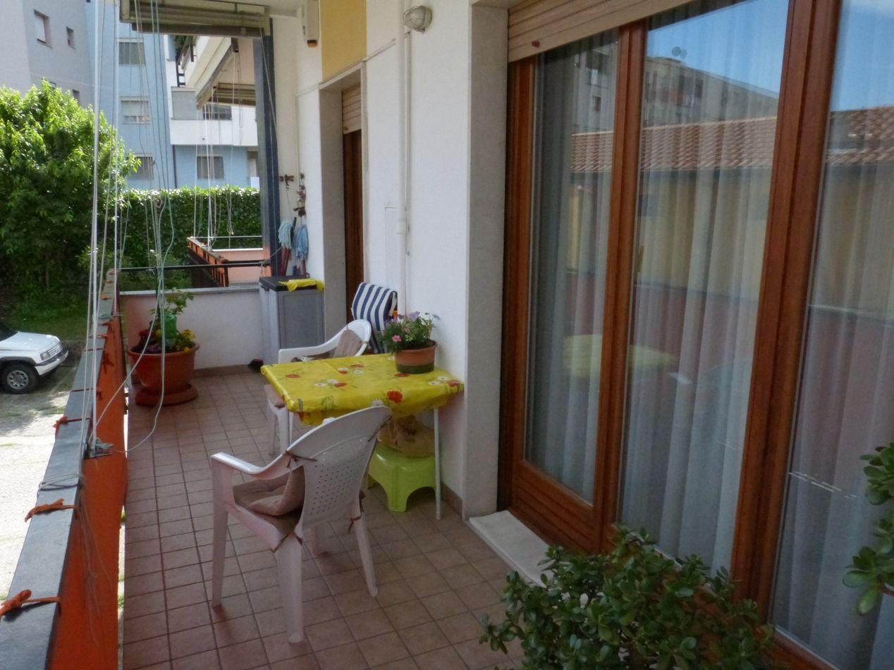 Verbania pallanza appartamento con garage e balcone aa2685 for Garage in metallo con appartamento