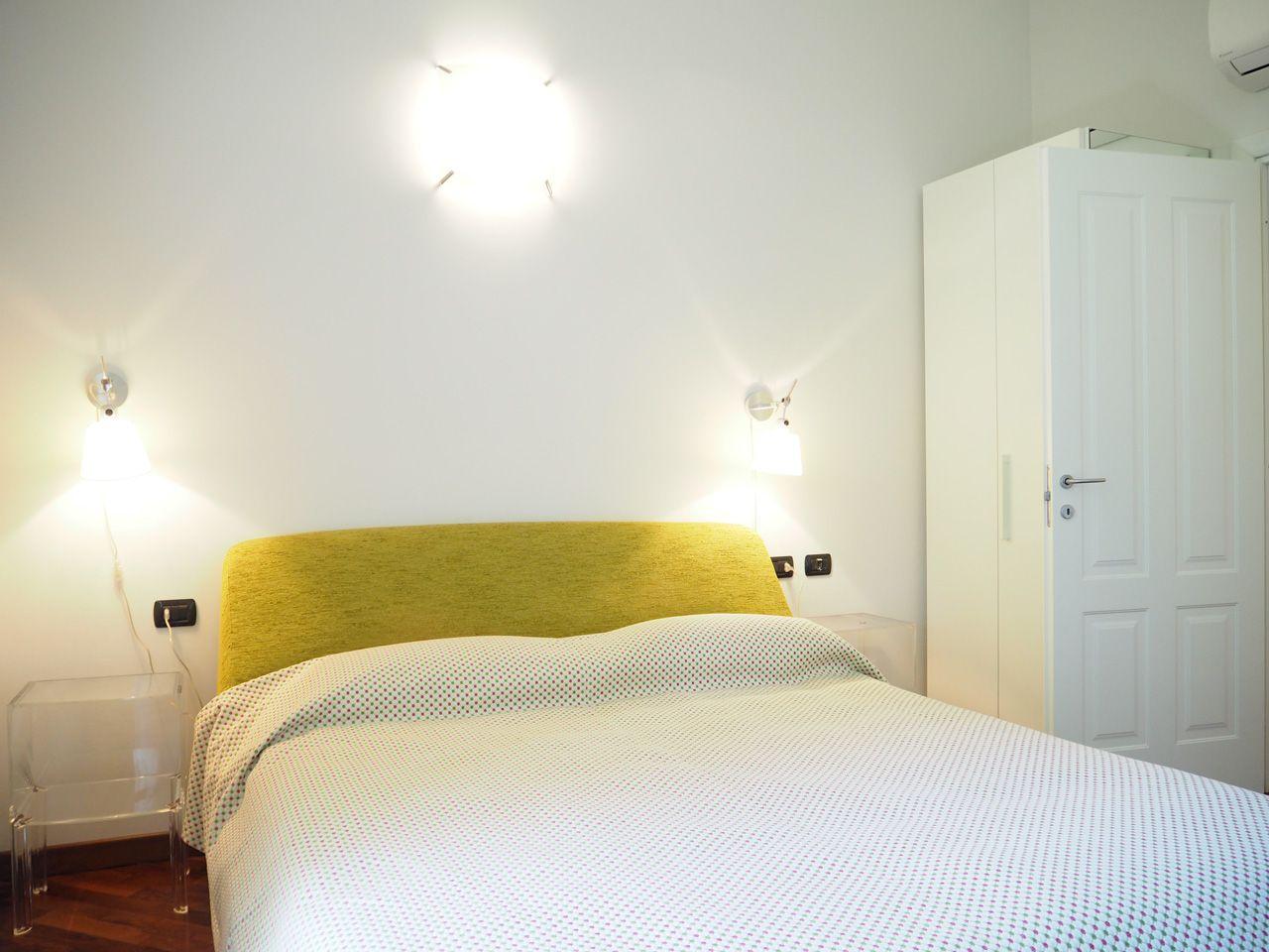 wohnung kaufen pallanza in einer historischen villa. Black Bedroom Furniture Sets. Home Design Ideas