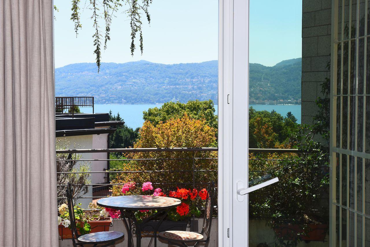 wohnung kaufen pallanza mit terrasse. Black Bedroom Furniture Sets. Home Design Ideas