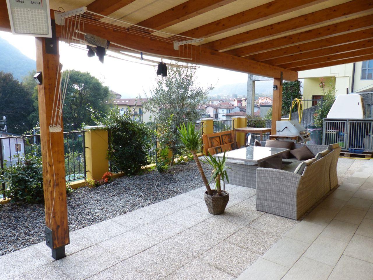 Verbania appartamento con garage e giardino aa2298 case for Case e giardini