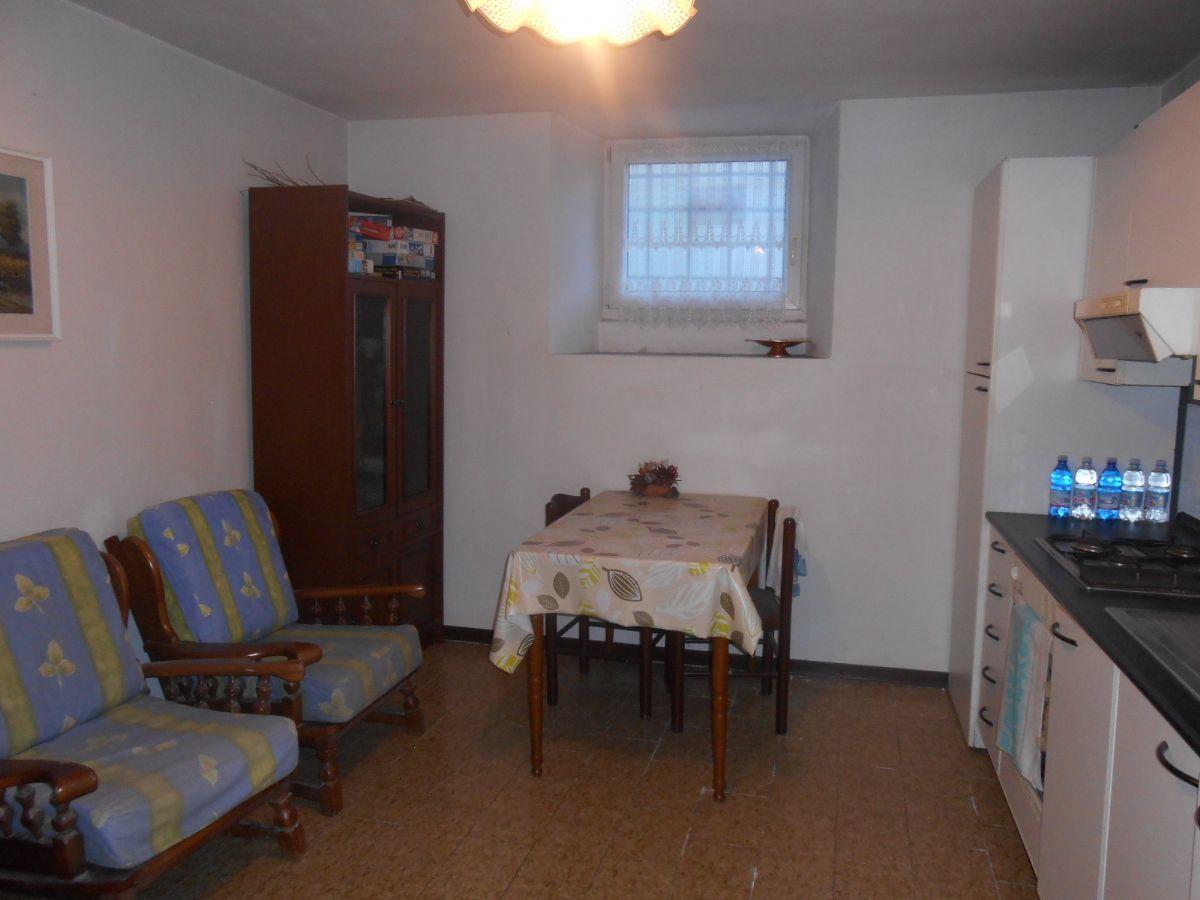 Vignone appartamento con garage aa2572 for Garage 30x40 con appartamento