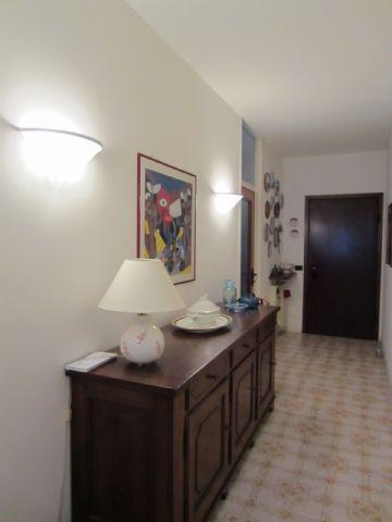 Vignone appartamento vista lago con garage e terrazzo aa1647 - Bagni di vignone ...