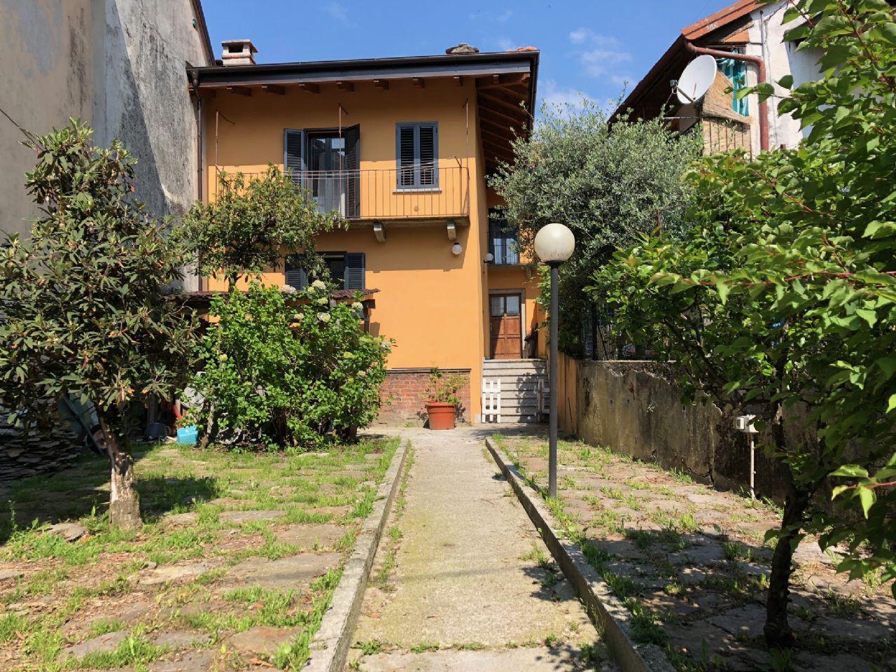 Vignone casa 154mq 2 camere con giardino e terrazzo - Terrazzo giardino ...